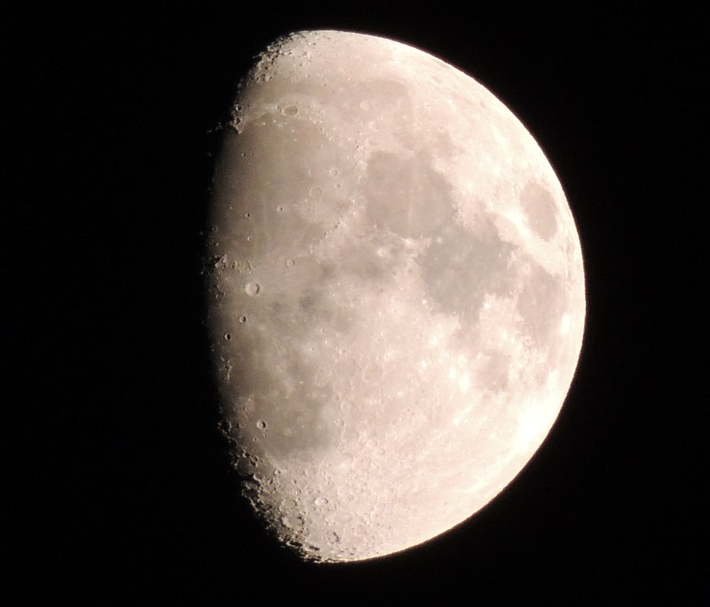 MOON & COMP  with my new toy NIKON P510. Mm2